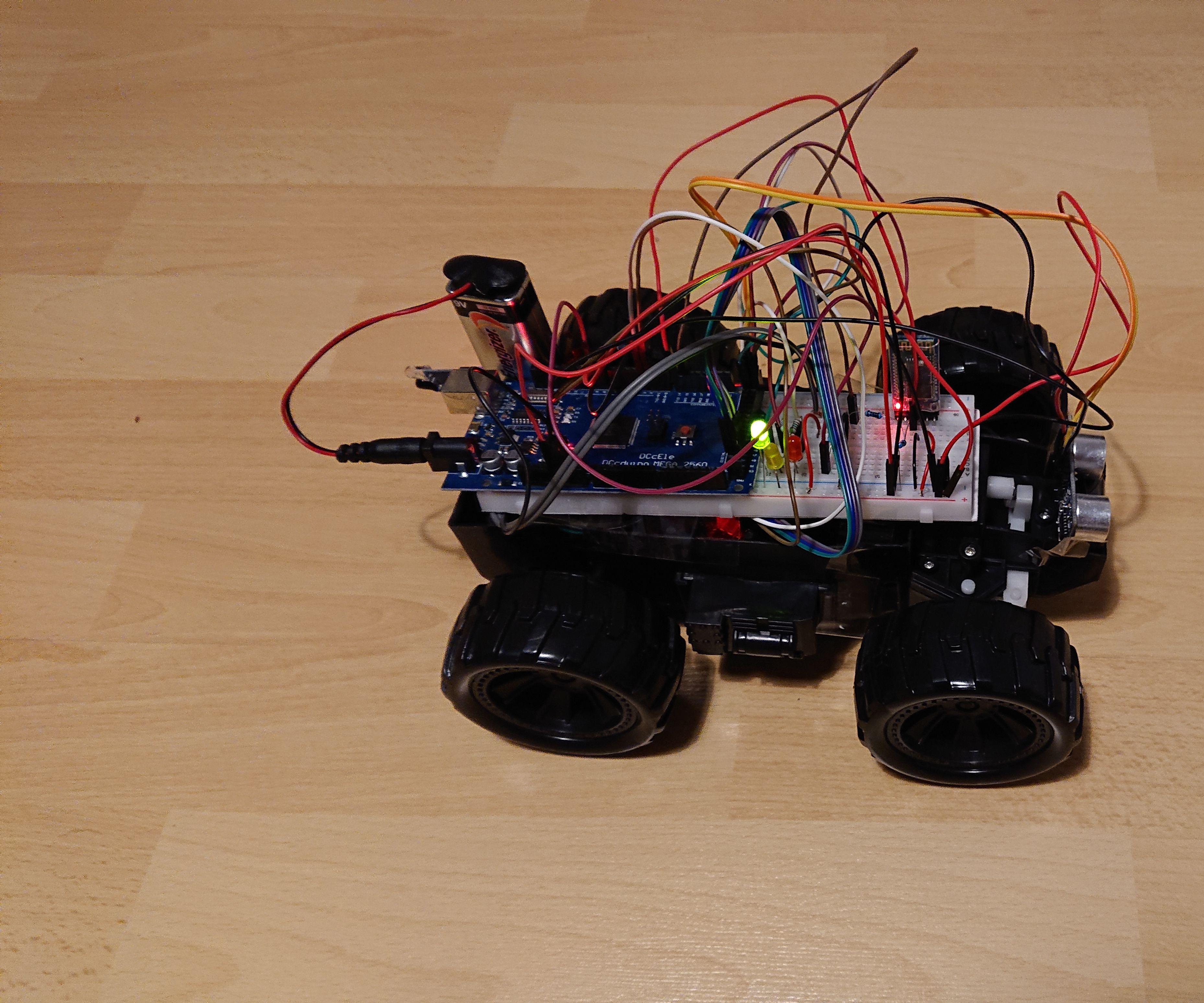 UCL - Embedded - Warningsystem - RC Car