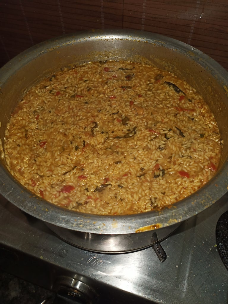 Cook Rice With Chicken Masala
