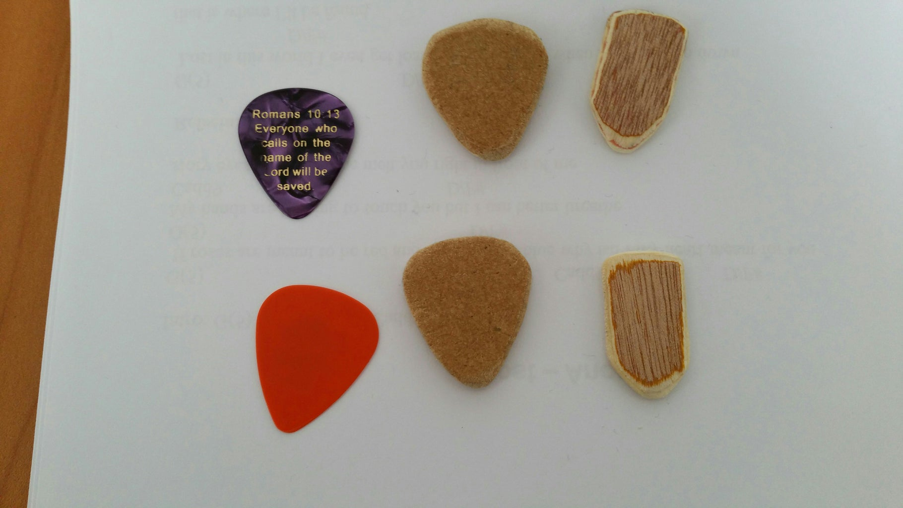 Plectrum/pick Made of Fibreboard and Plywood