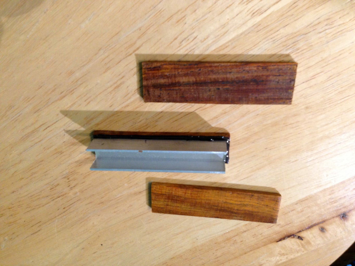 Epoxy Wood to Aluminum Channel