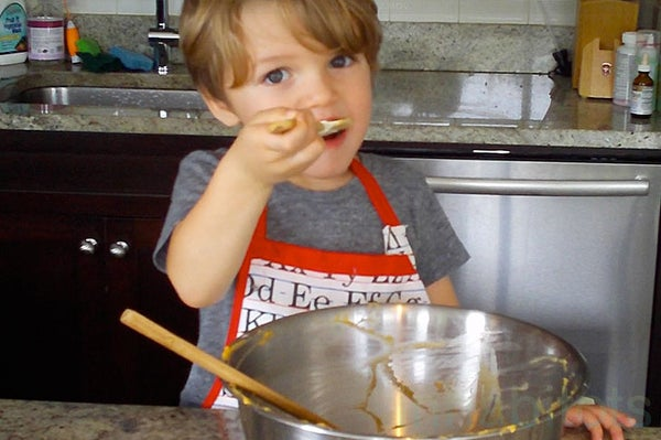 How to Make Vegan Pumpkin Cupcakes - Demonstrated by a 3 Yr Old!