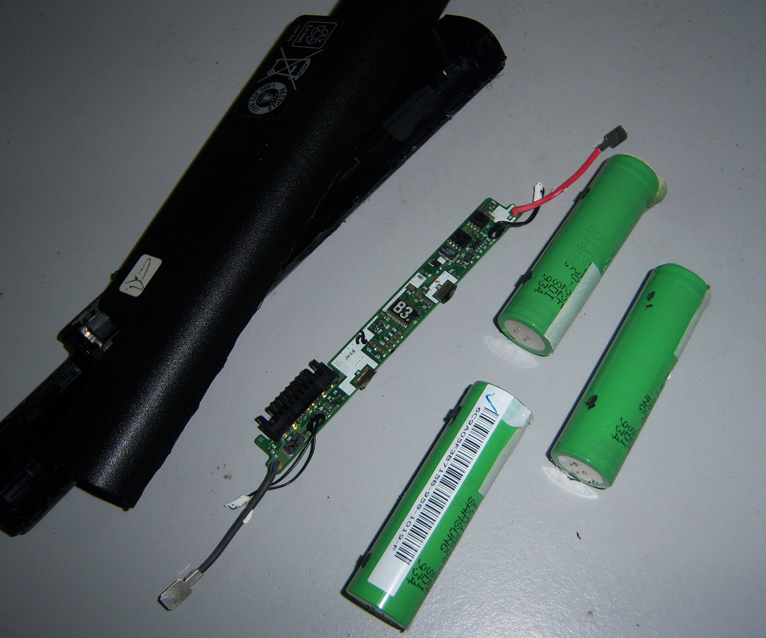 Salvage Lithium Ion Batteries from Laptop Batteries