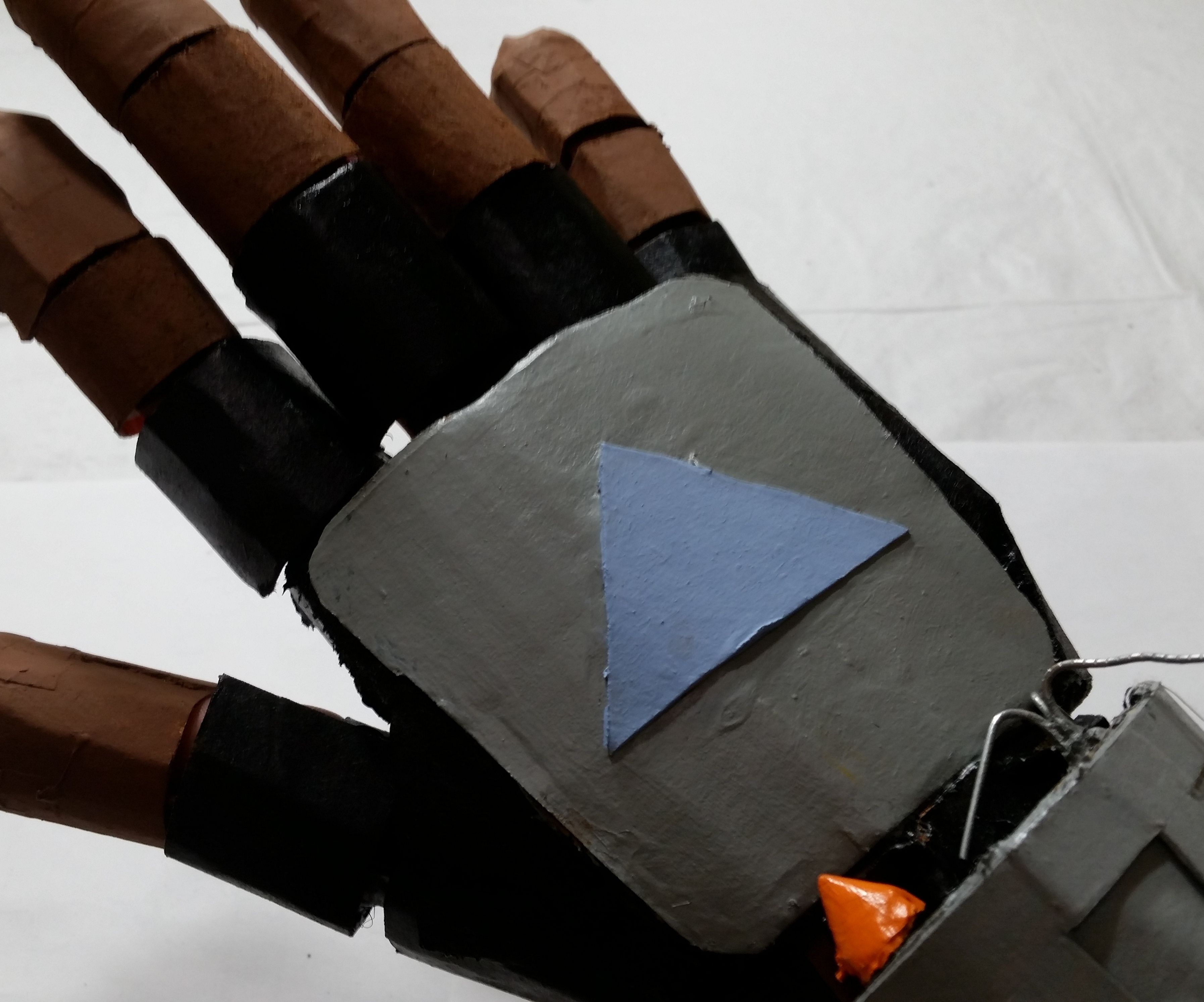 Working Cardboard Mandalorian Gauntlet How To Make It 14 Steps With Pictures Instructables