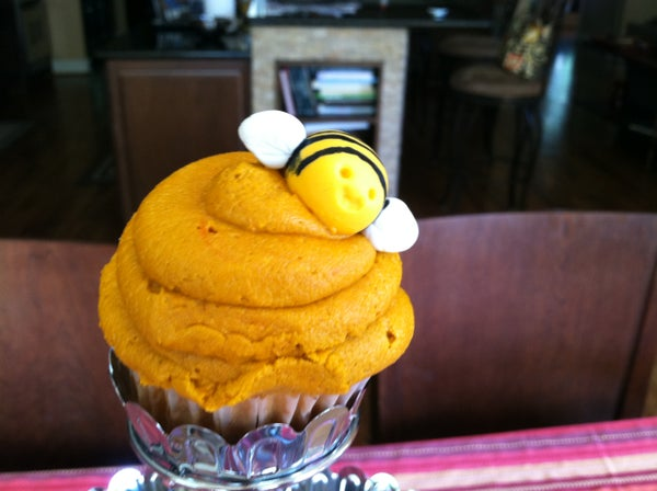 Honey Bee Cupcake