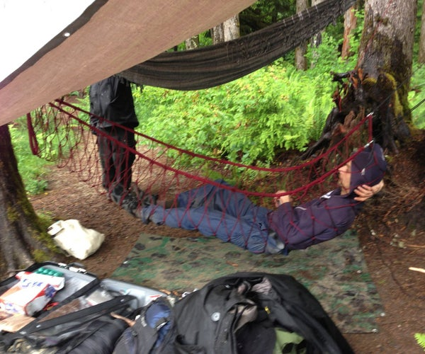 Durable, Light and Compactable Paracord Hammock