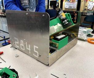 为青少年机器人专业团队创建定制侧面面板