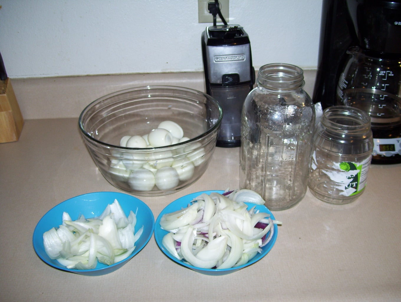 Fill Jars With Eggs and Onion