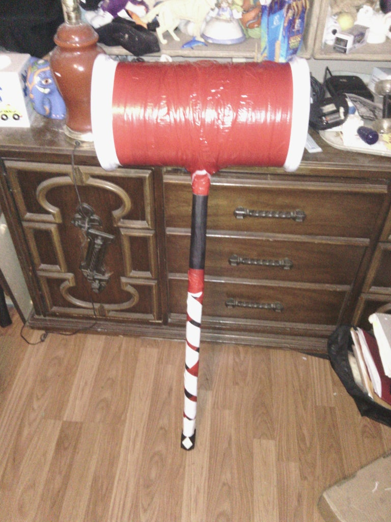 ==Harley Quinn's Hammer==