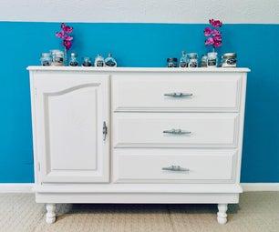 用普通梳妆台维修和粉笔油漆,从单调到工厂的梳妆台!