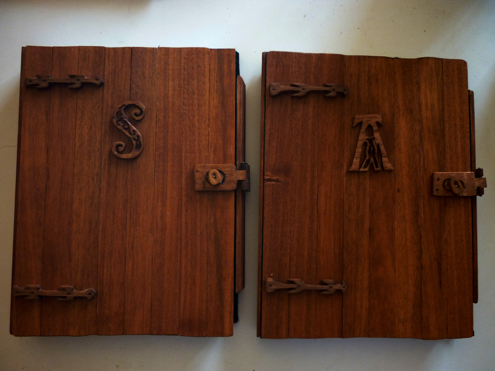 Book cover: safe oil+wax wood finish