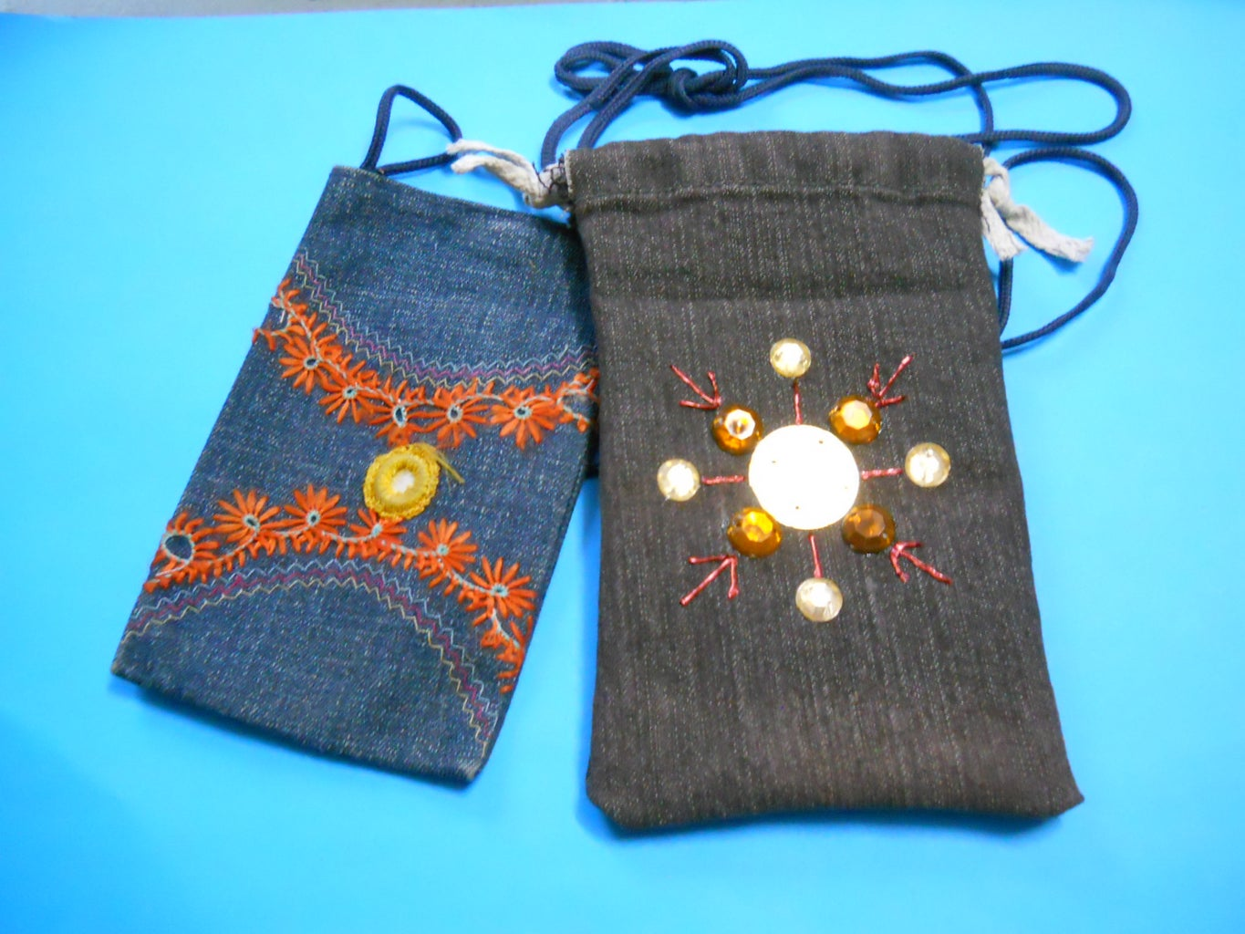Fancy Mobile Pouch From Old Jeans