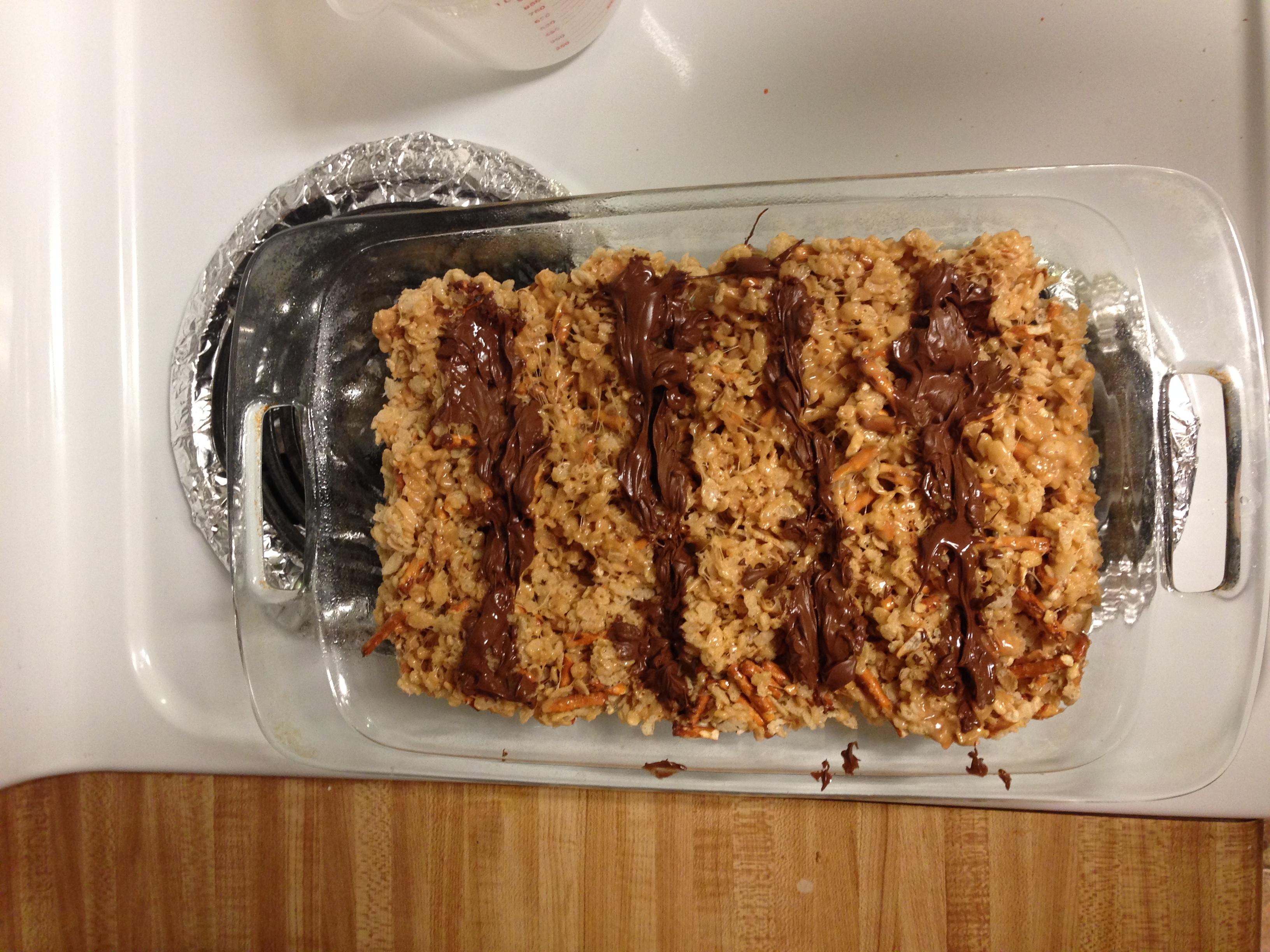 How- To make Peanut Butter Chocolate Pretzel Rice Crispy Treats