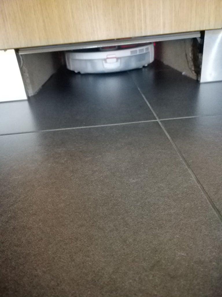 Automatic Door for Smart Vacuum Robot With Arduino