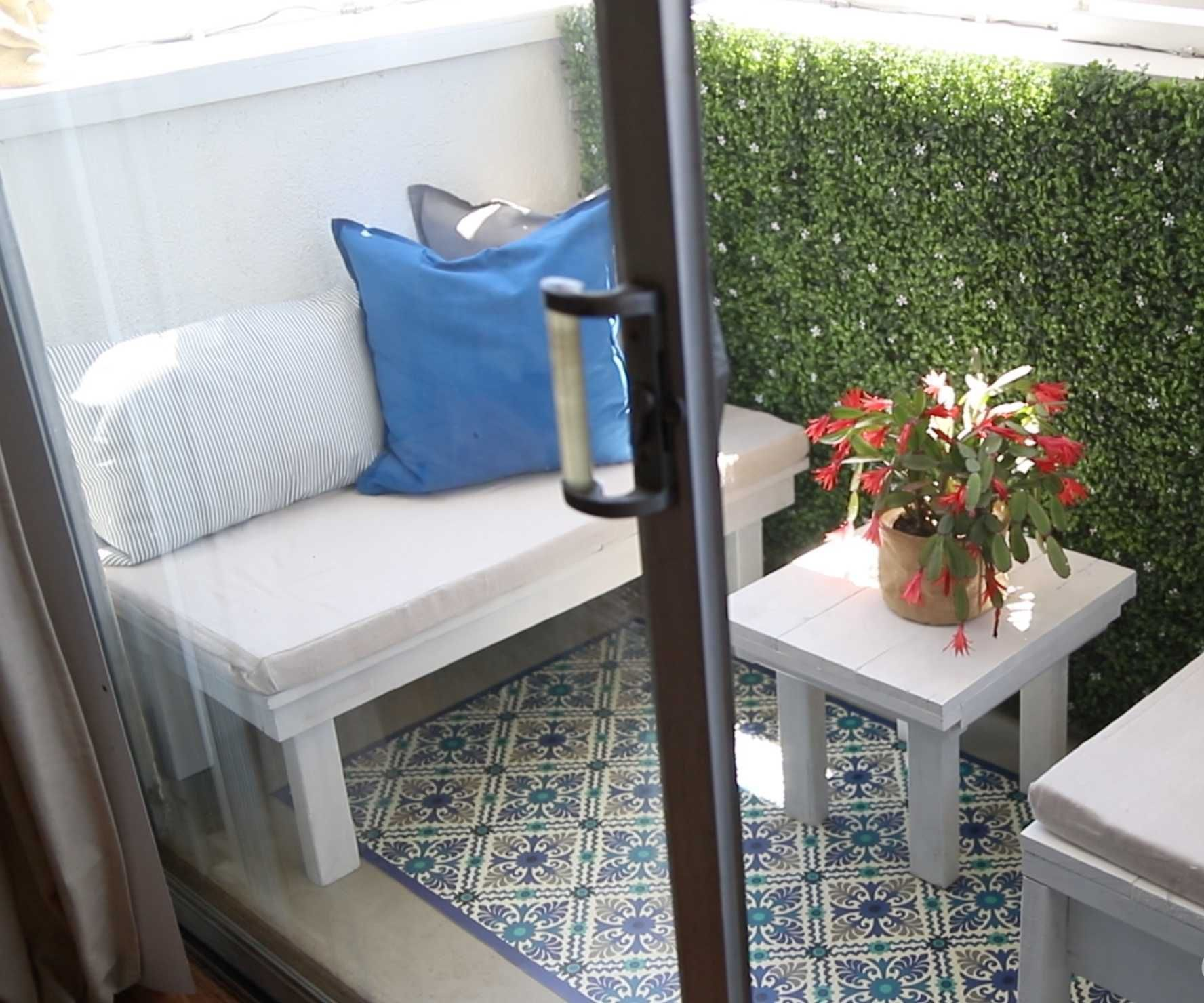 Recycling Scraps to Make Outdoor Furniture