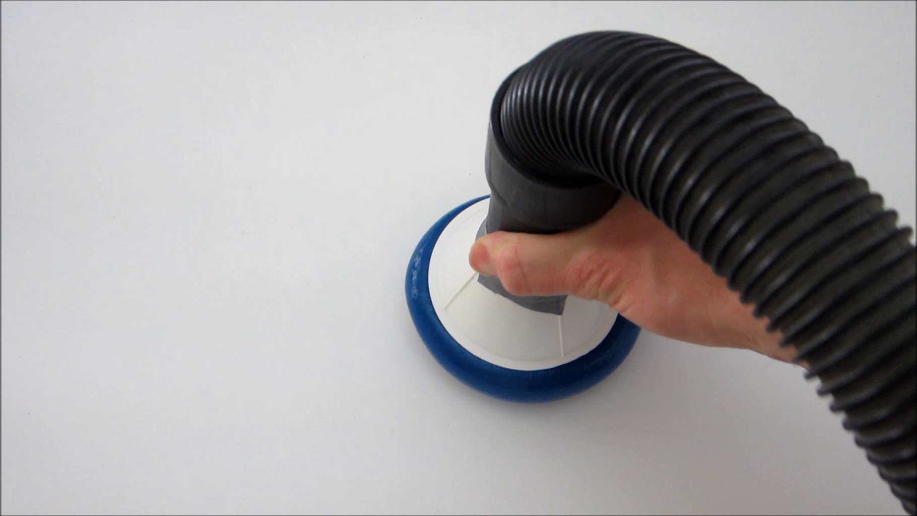Use the Universal Gripper to Pick Up Objects