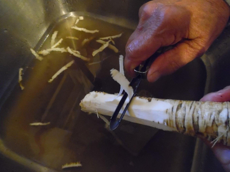 Make and Preserve Horseradish
