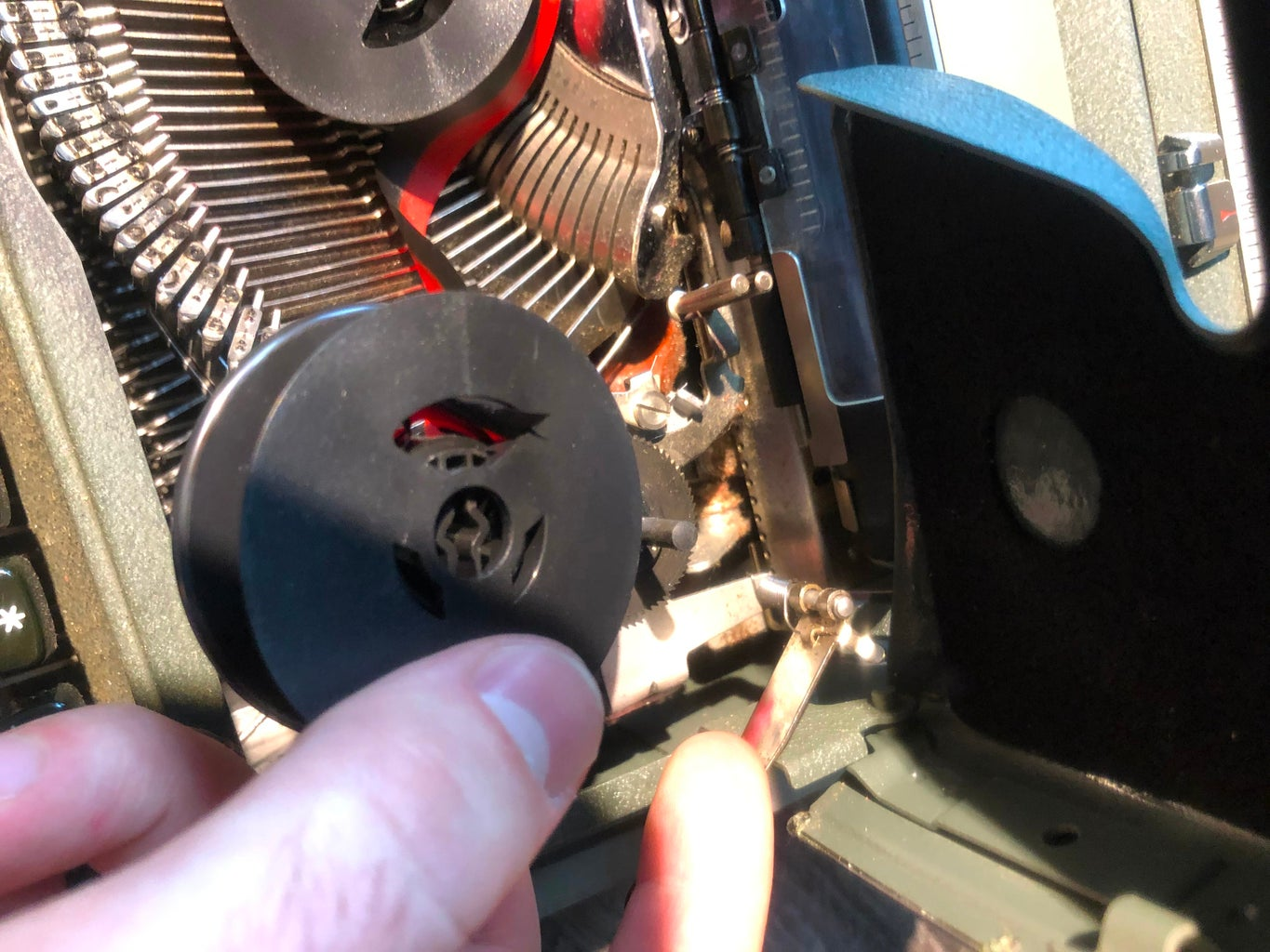 Attaching New Ribbon Spools to Driver Pins