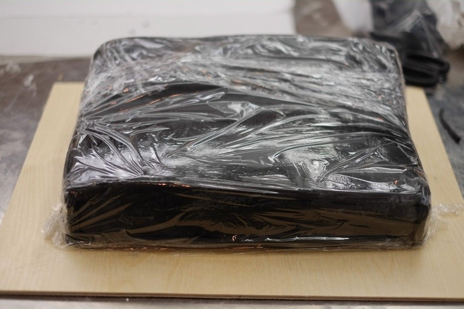 Cover Cake in Fondant