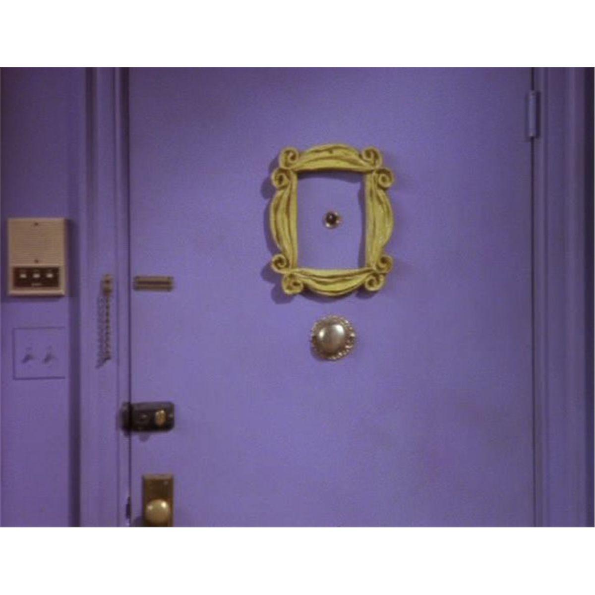 Monicas Peephole Frame - F.R.I.E.N.D.S