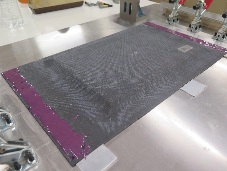 Bonding Parts - Apply Adhesive