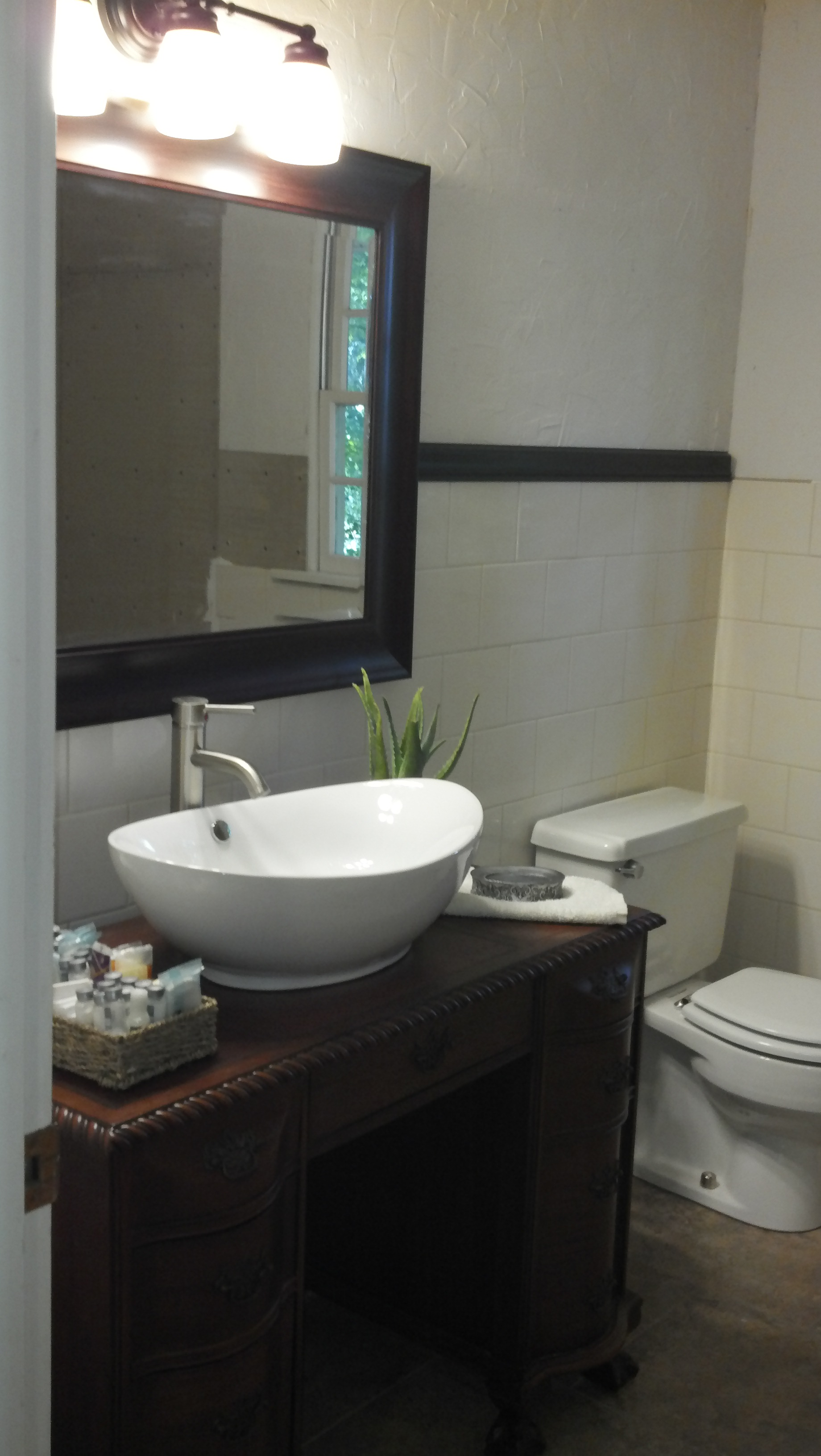 Picture of: Bathroom Vanity With Vessel Sink 4 Steps With Pictures Instructables