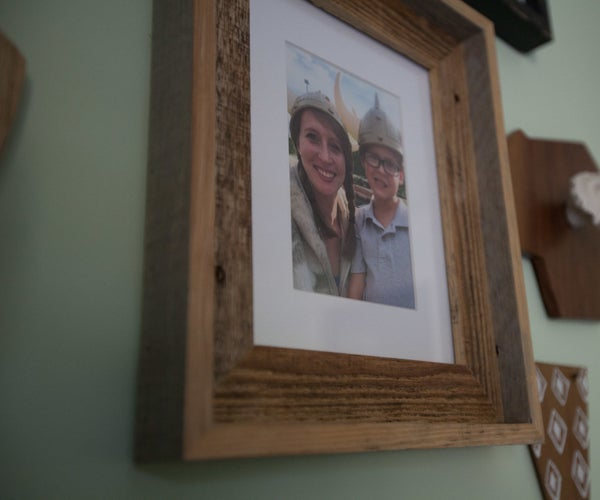 How to Make a Pallet Wood Picture Frame