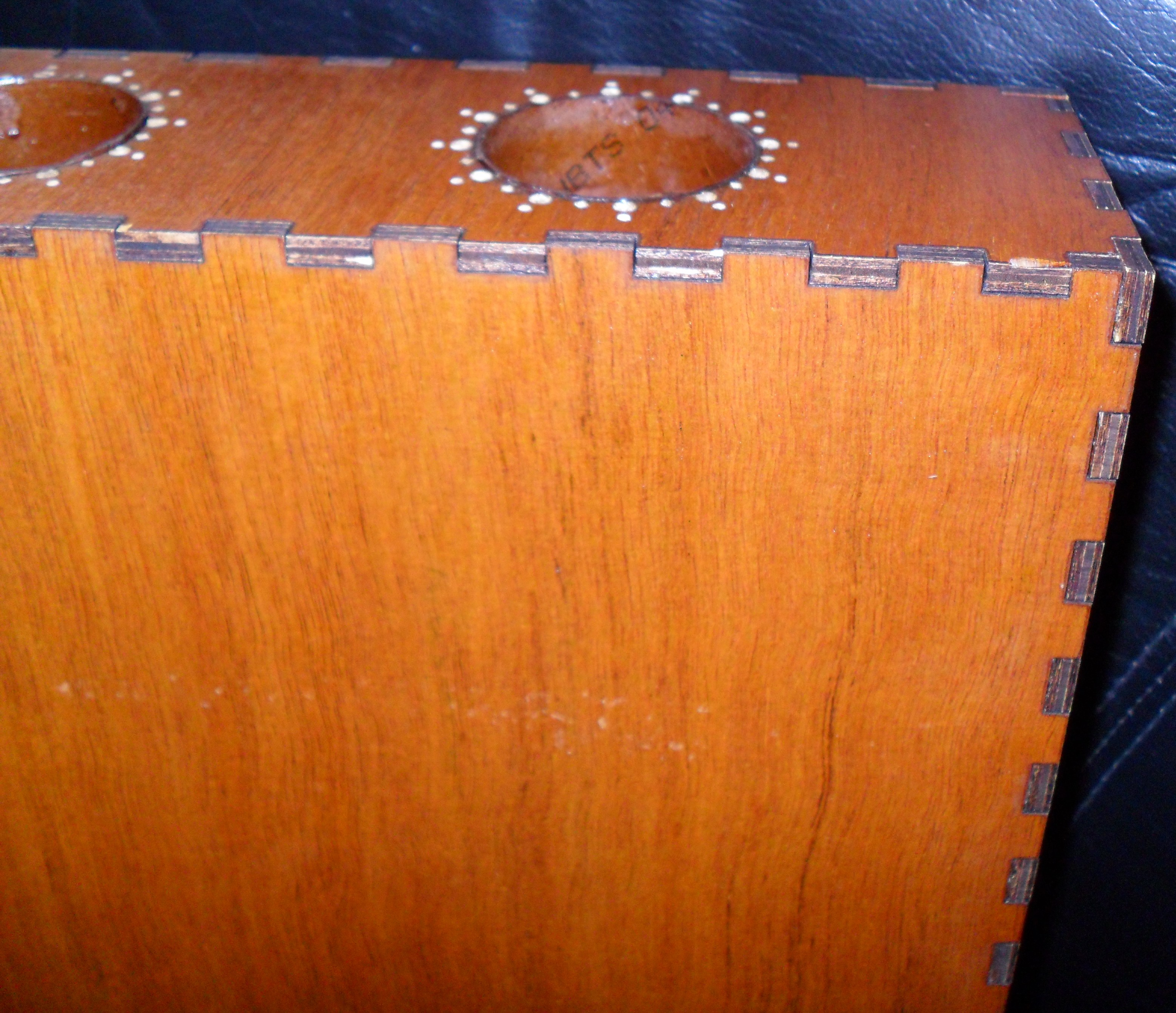 Acoustic-Electric Wooden StompBox with Piezo PickUp