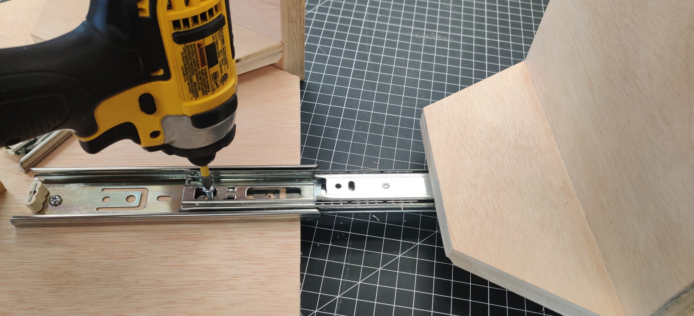 Attaching the Drawers to the Main Body