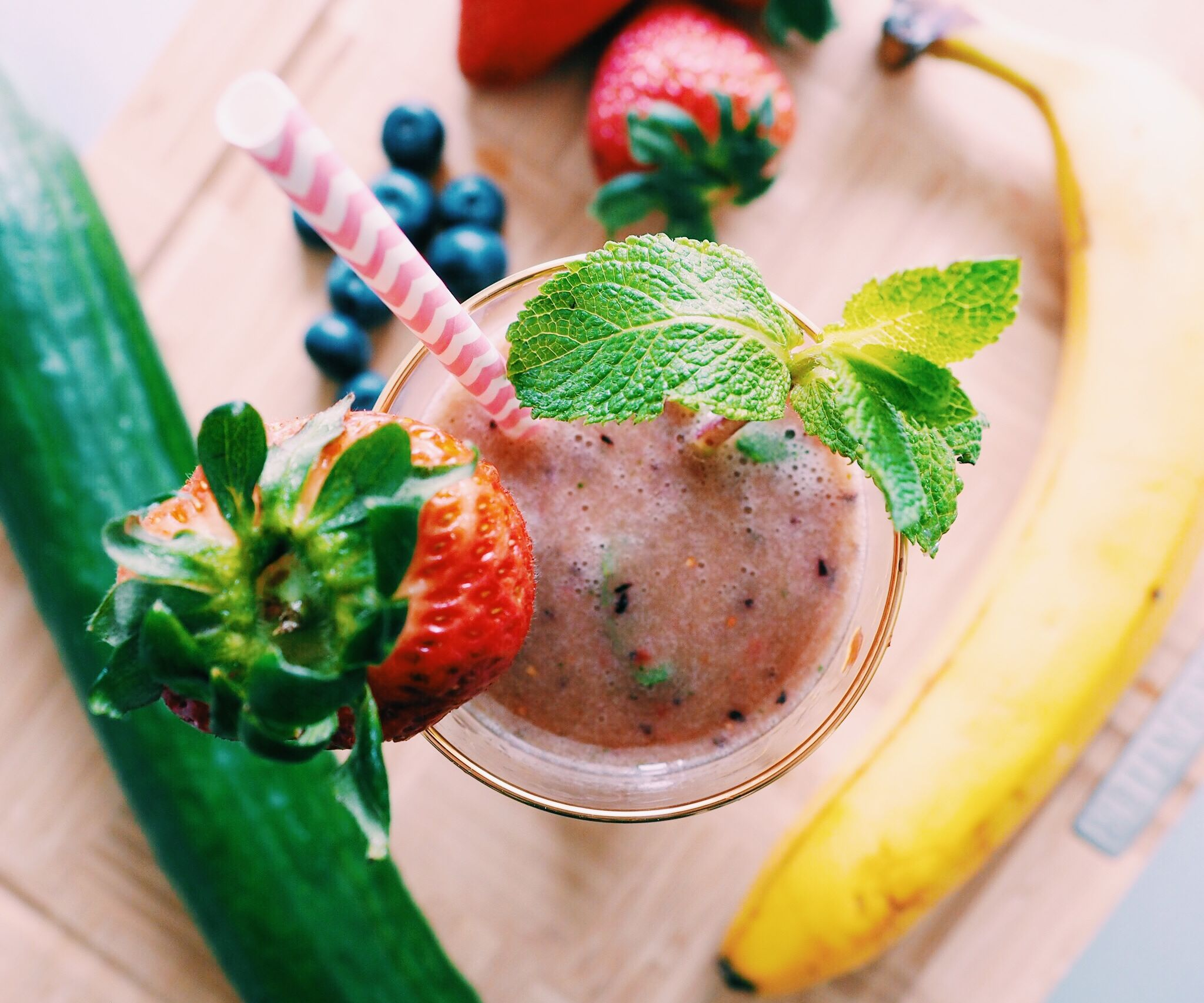 RECIPE | GREEN BERRY SMOOTHIE FOR HEALTHY HAIR