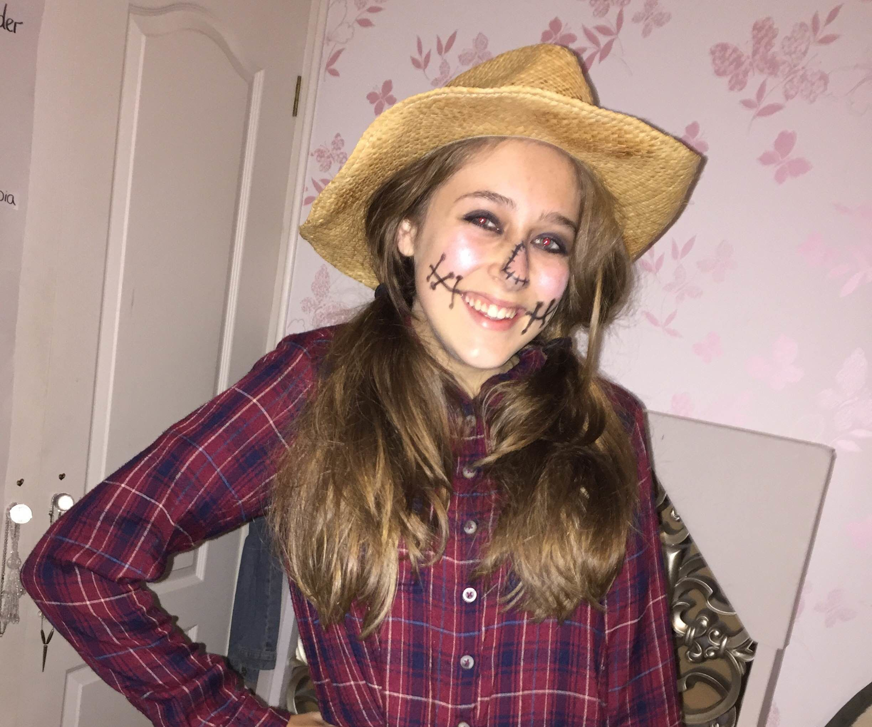 DIY Scarecrow for Halloween