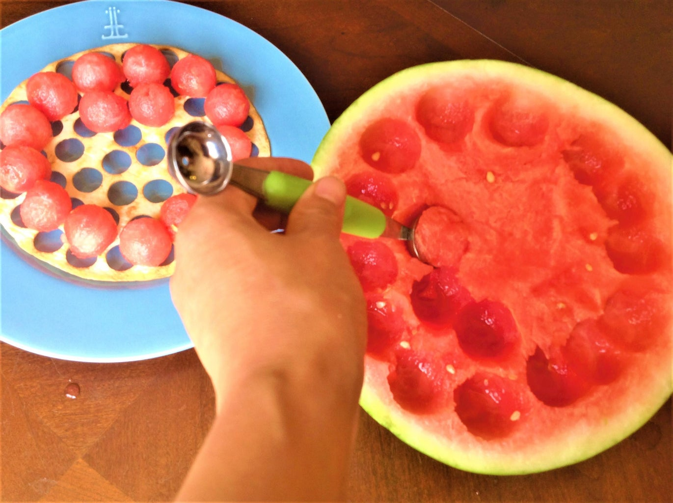 Ball Melon, Mix All Ingredients, and Serve