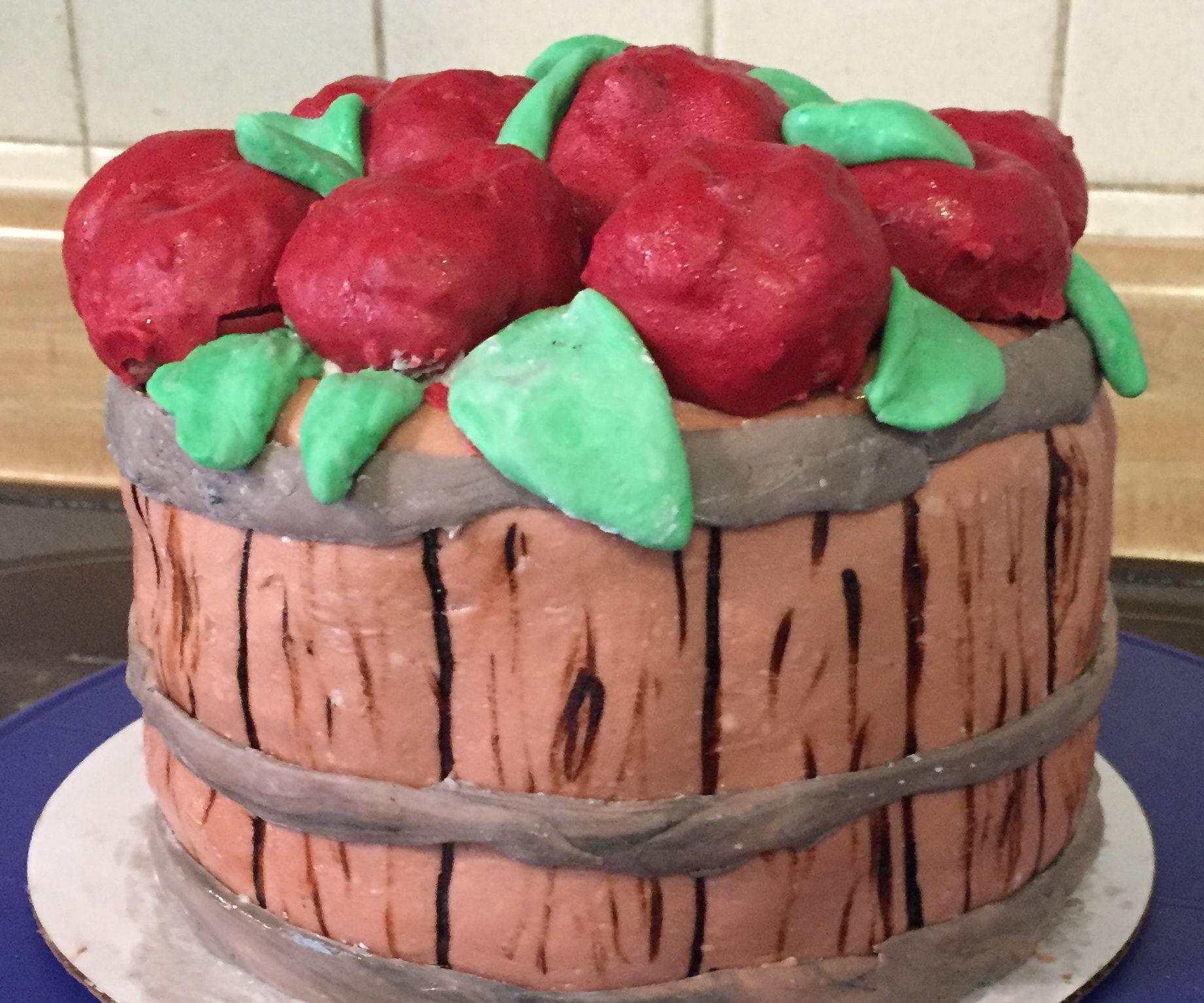 Apple Basket Cake