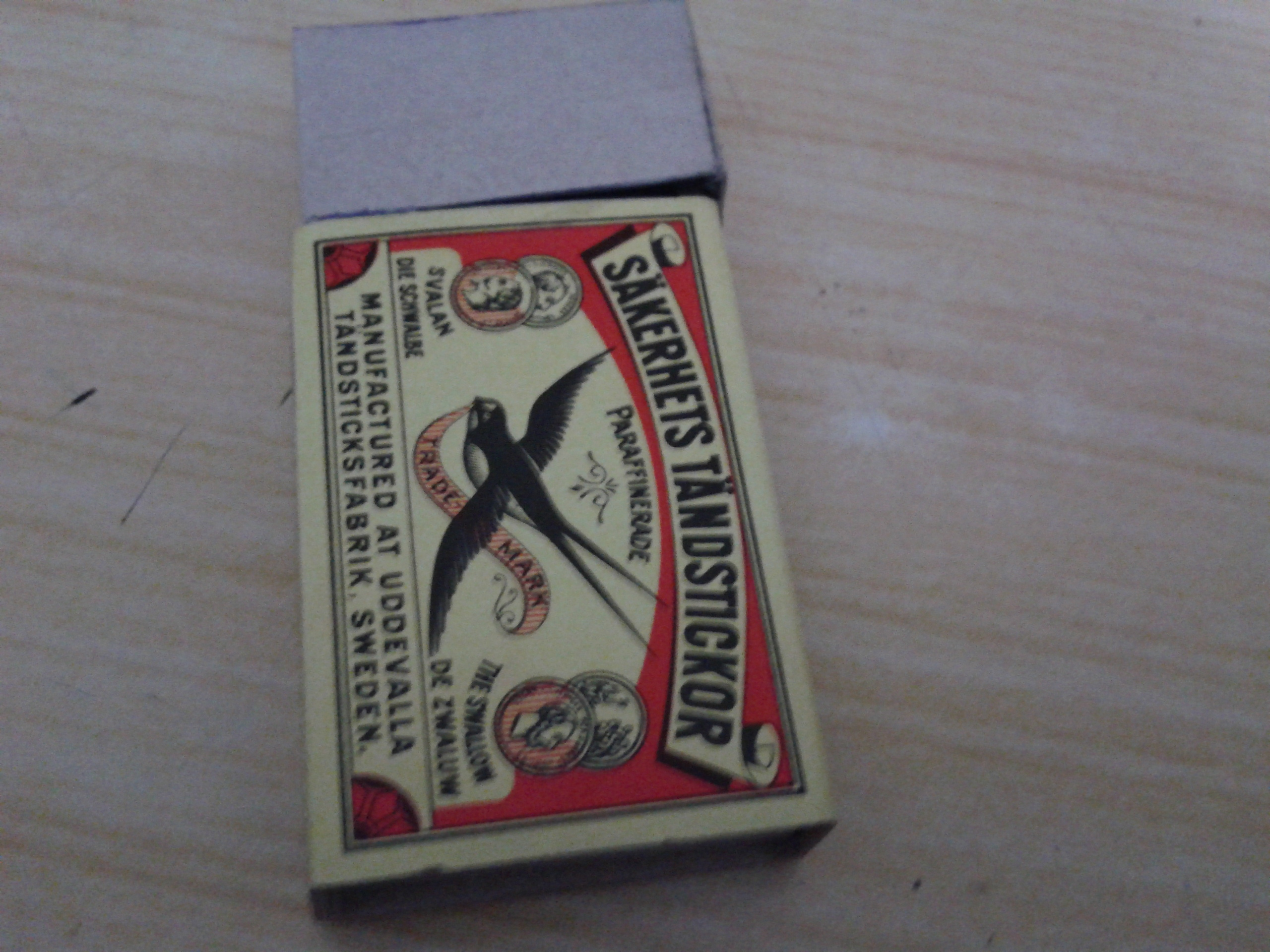 How To Make a Working Zippo Lighter Out Of Match Box!!!!!