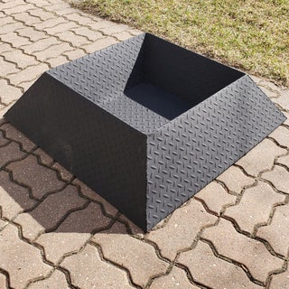 How to Make a Cool and Compact Fire Pit From Half a Sheet of Steel