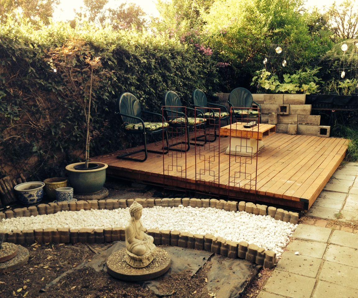 Wood Pallet Backyard Deck