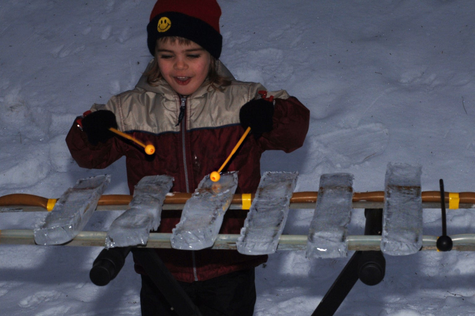 Play by Striking the Ice Slabs With Mallets