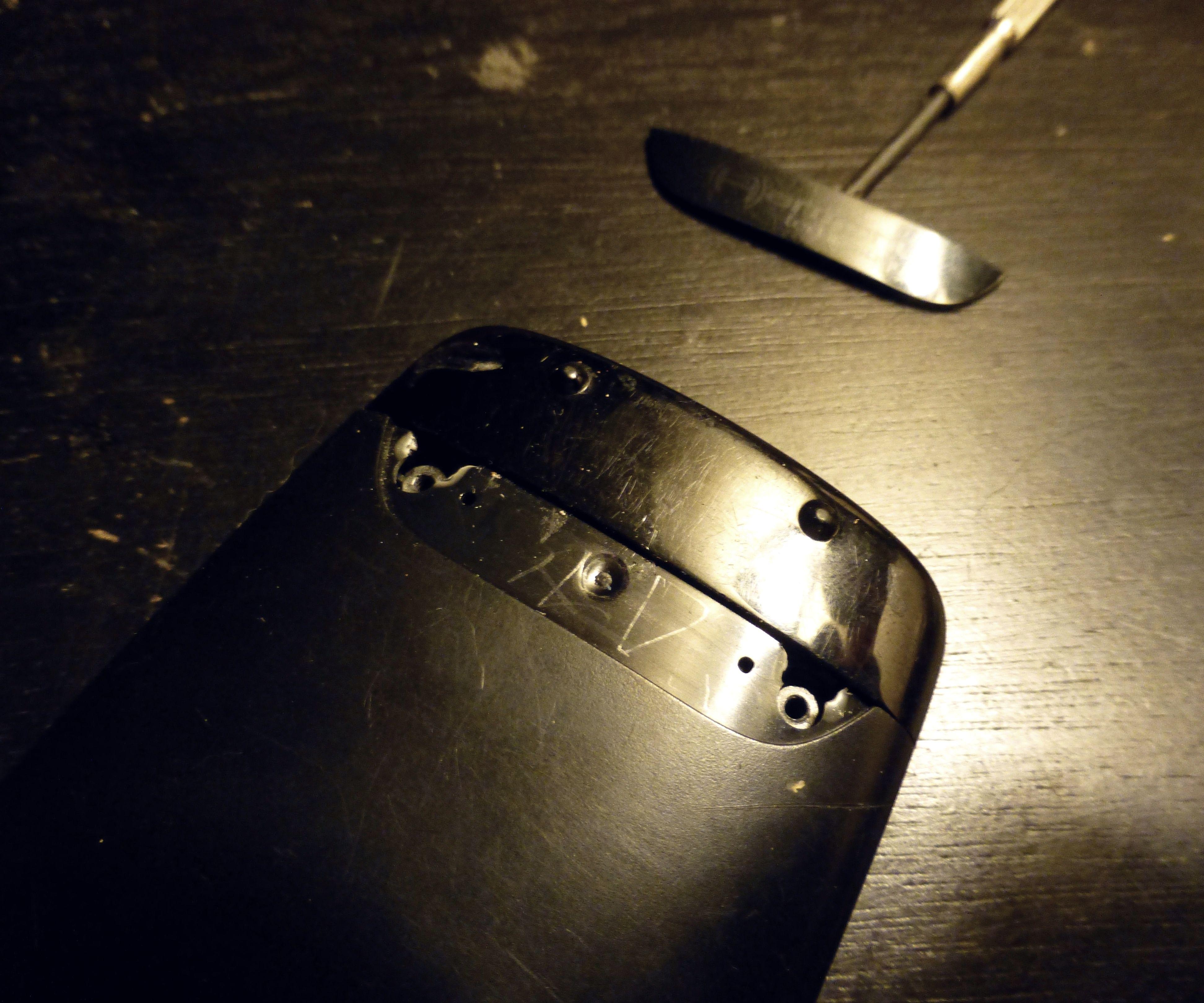 Fix broken screw holes with 3d printing pen