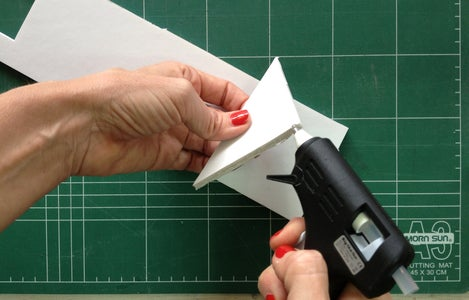 Glue the Tripod Triangles