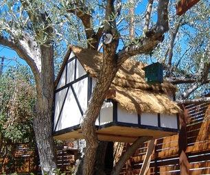 半木材茅草屋顶鸡舍树屋