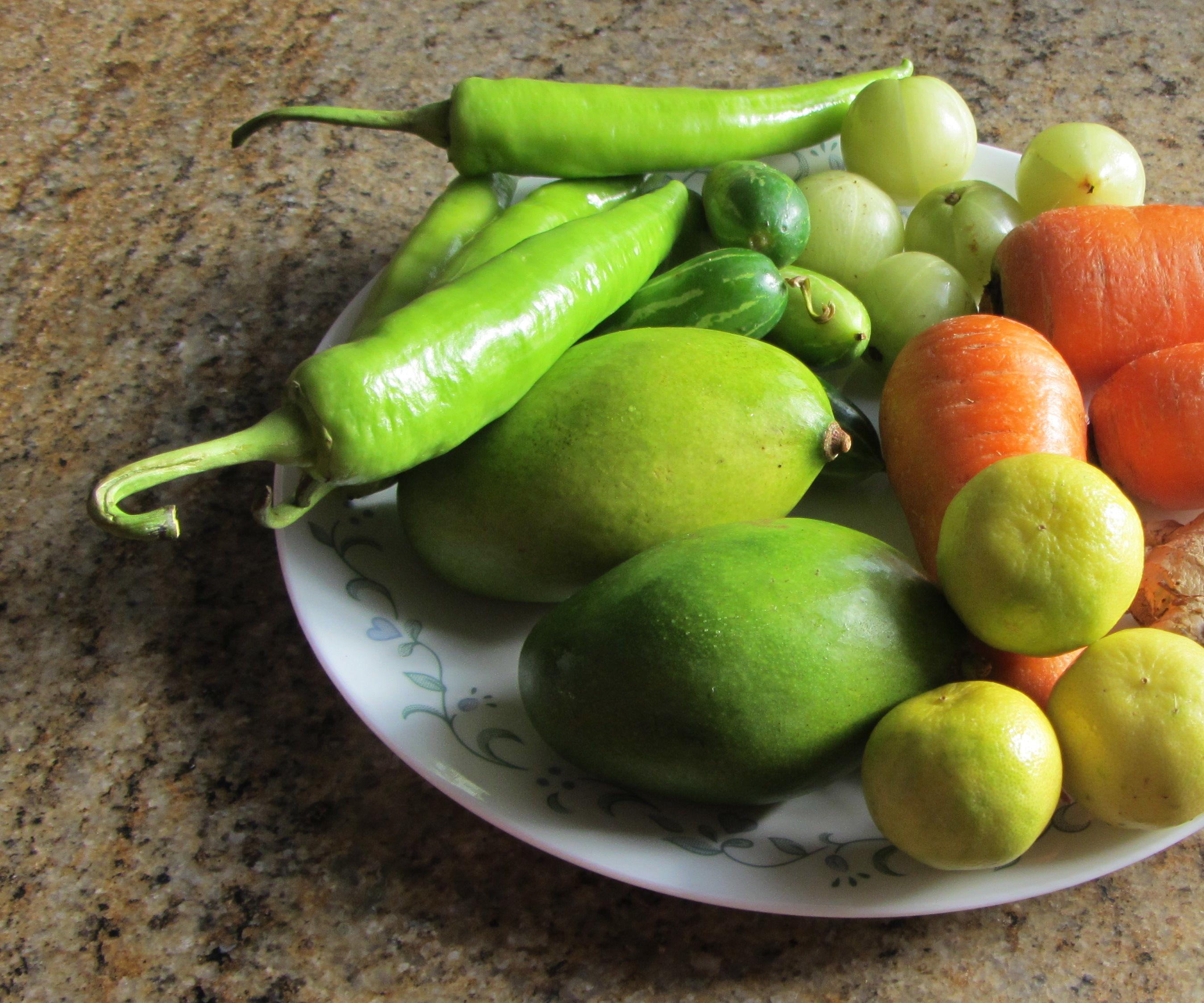 Easy Peasy Pickled Veggies [10 min max!]