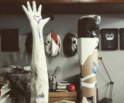 How to Make a Custom Dummy Hand Using Wire and Aluminium Paper for Less Then 10 Dollars