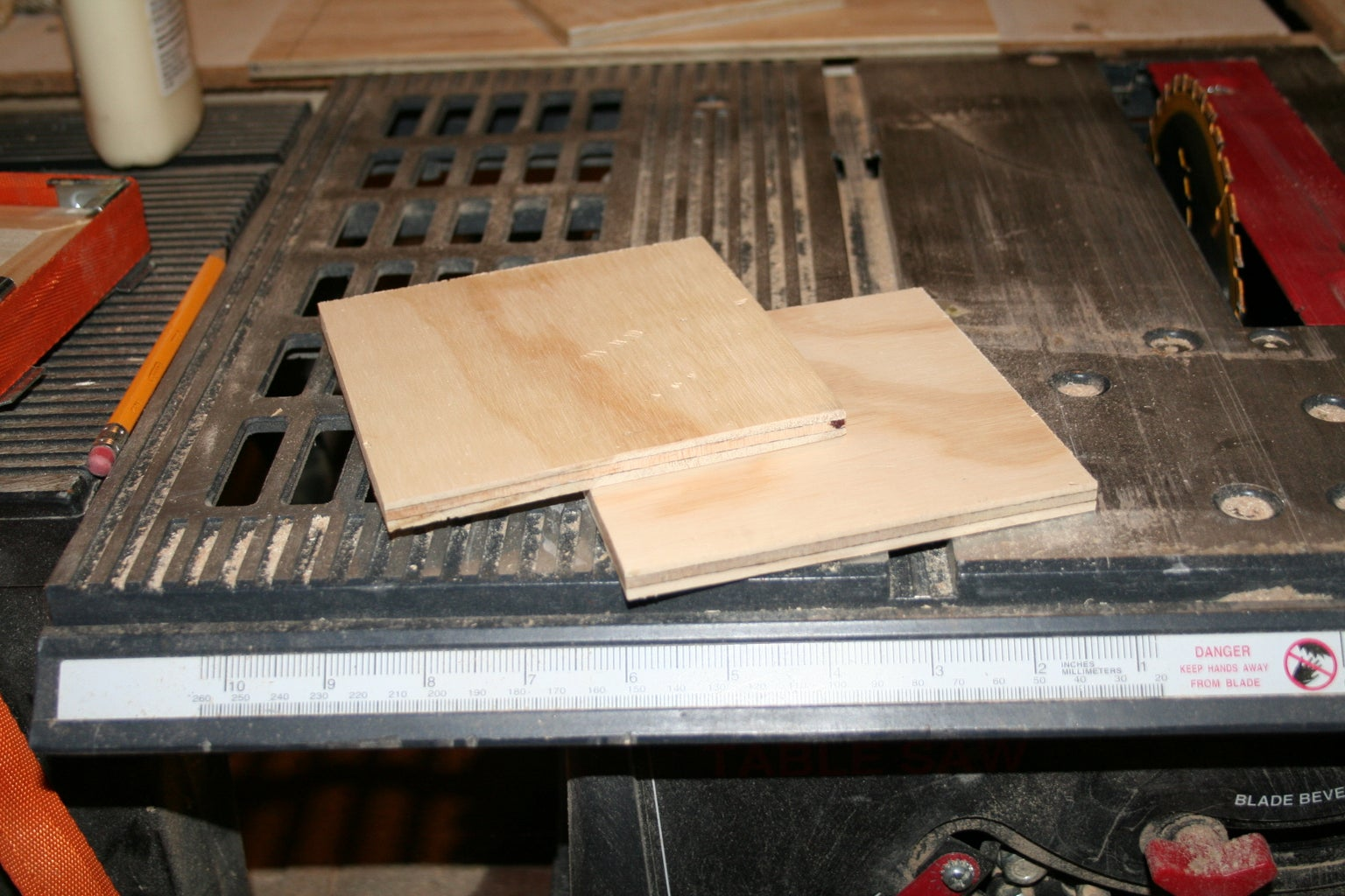 Box With Mitered Corners and Pegged Top.