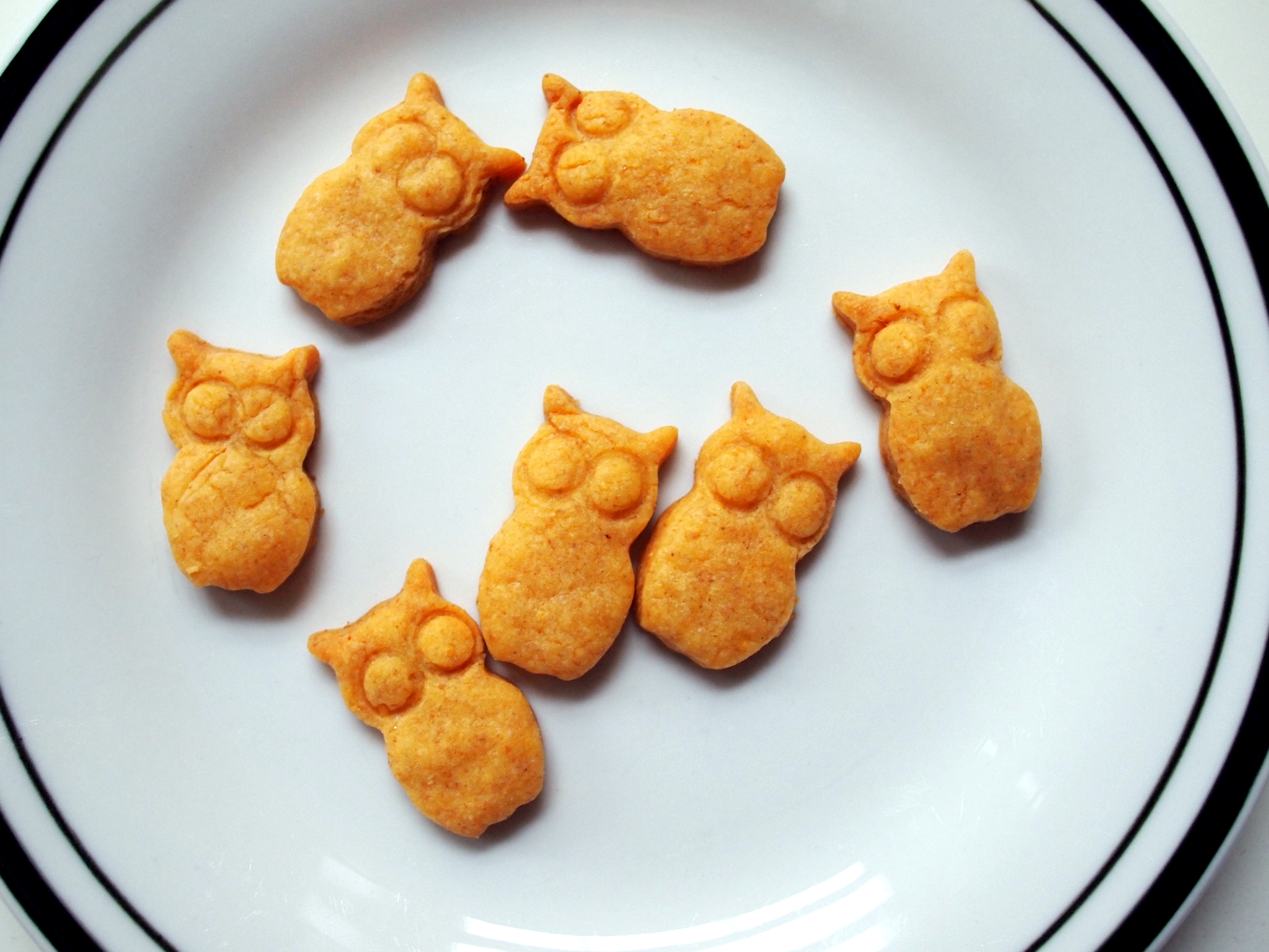 Goldfish-Inspired Owl Crackers