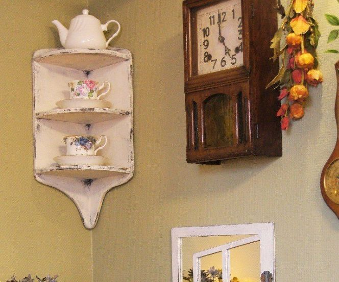 How to Make an Easy Corner Shelf!