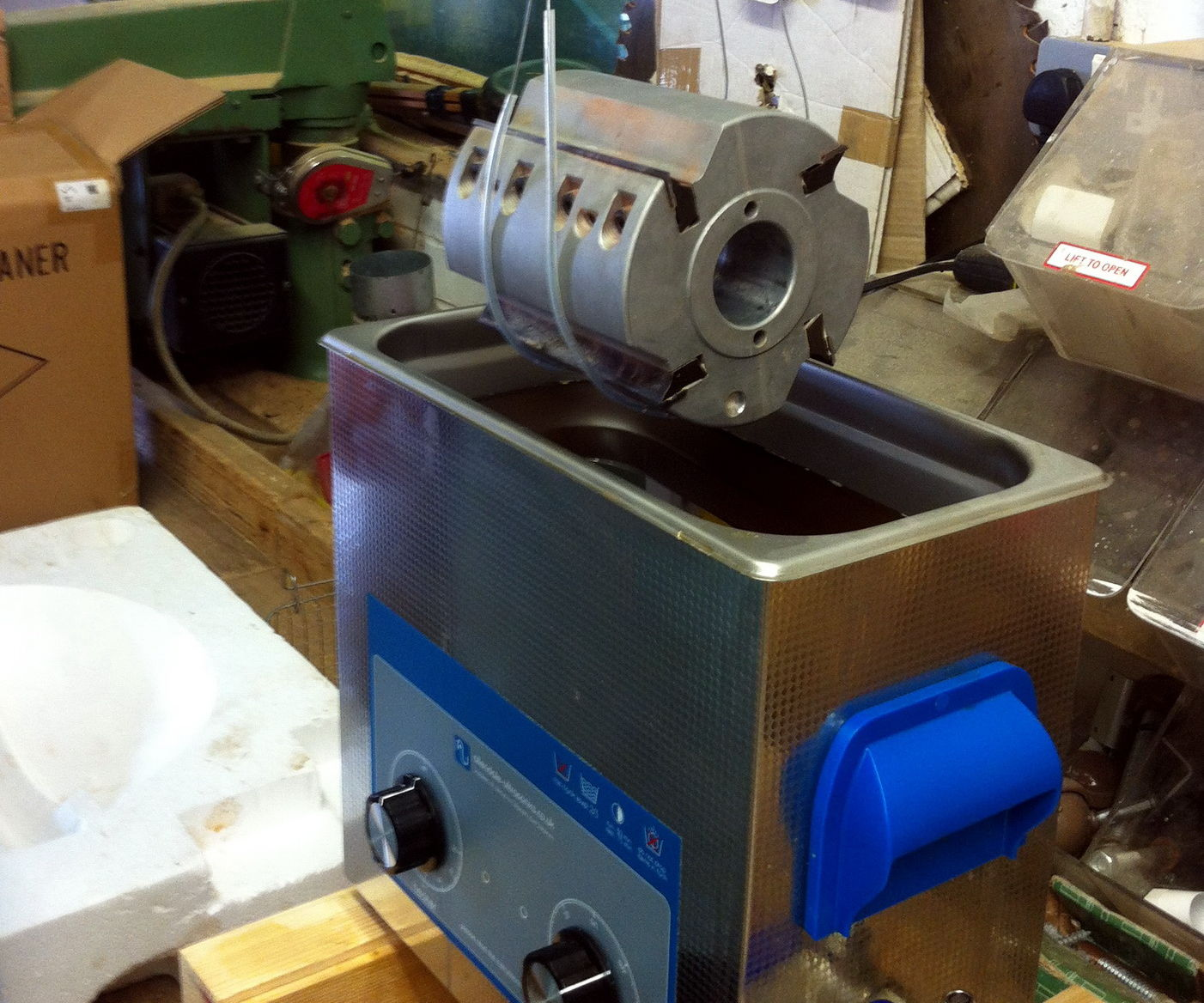 Clean Resin From Woodworking Routers & Tools in an Ultrasonic Cleaner