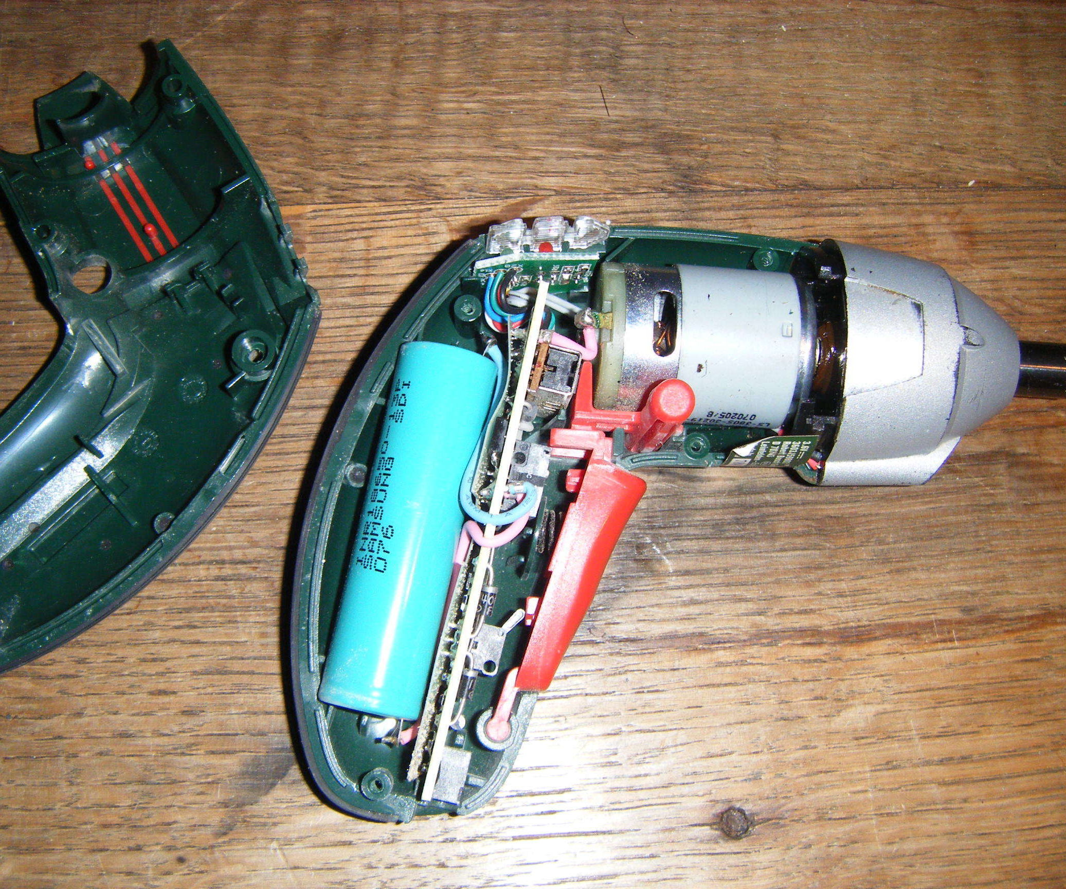 Replacing Battery of IXO Screwdriver