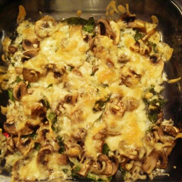 Cheesy Baked Spinach and Mushrooms