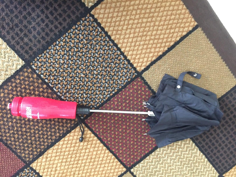Put Glue Inside of the Umbrella's Hole