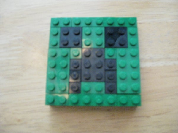 Make a Minecraft Creeper Face With Legos