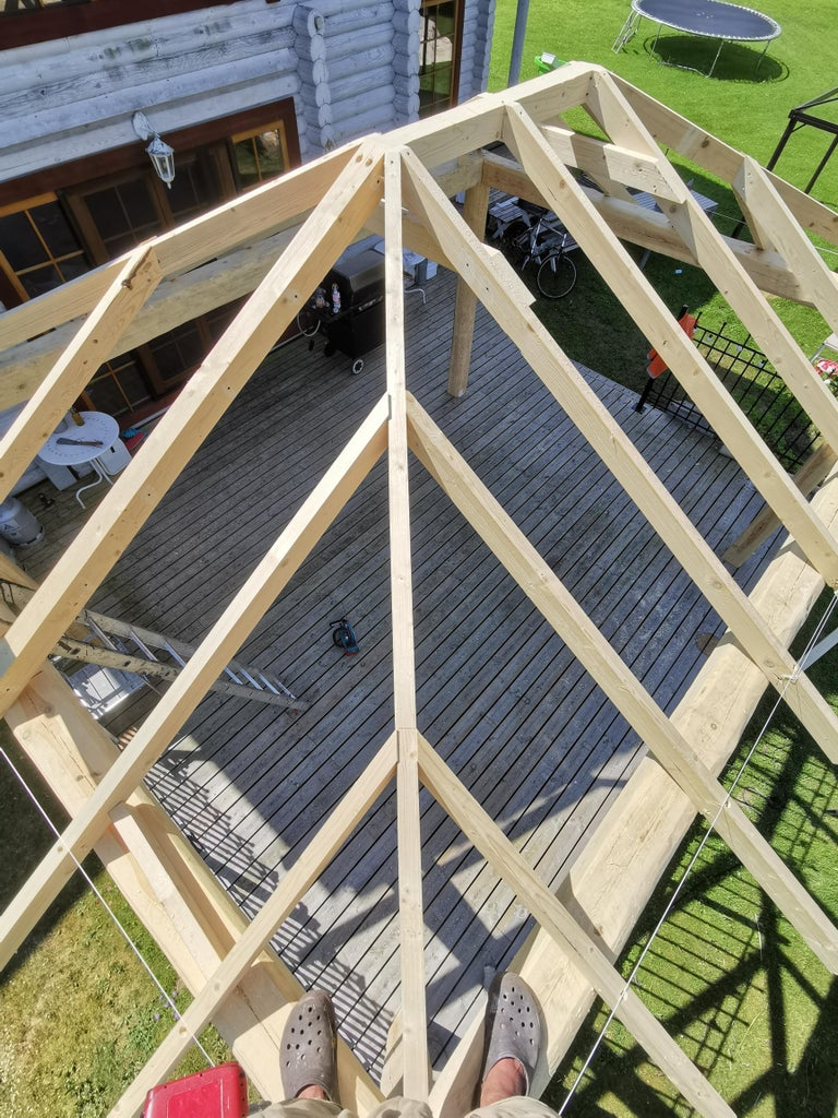 Roof Joinery Continues